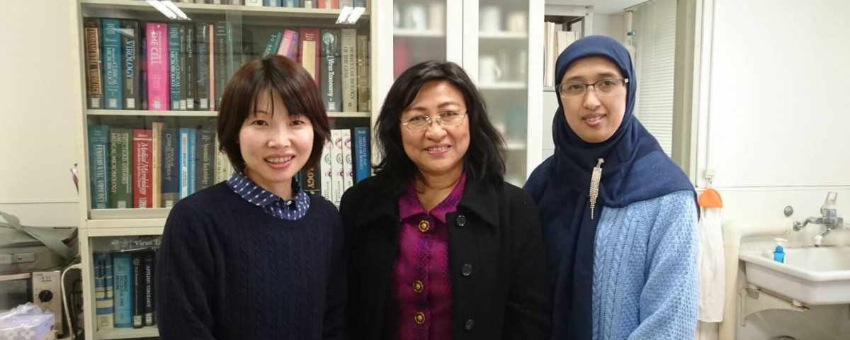 Prof. Maria Inge Lusida of the University of Ayranga University Tropical Disease Research Institute visited (December 12, 2016)